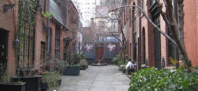 Orginal-Location: Private Alley 36th Street and Sniffen Court, Murray Hill, Manhattan